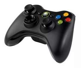2 WIRELESS CONTROLLERS (Xbox 360)