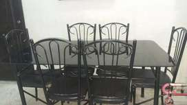 dinning table in excellant condition