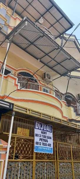 Disewakan townhouse dempo dalam lrg kelenteng 2 full furnished