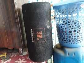 JBL bass tube 1250 watts . Boxer little damged