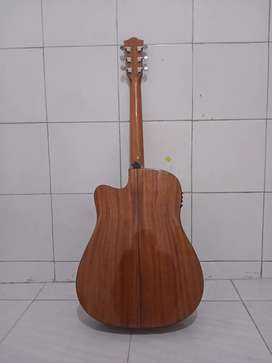 gitar akustik elektrik merk deviser.
