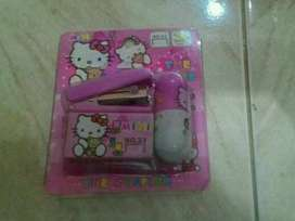 pulpen set hellokitty+staples+isi staples