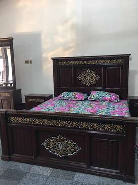 Bed set with dressing
