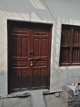 House for rent near shopping mall