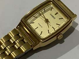 RETRO CASIO GOLD PLATED 1980's LADIES WATCH,NEW OLD STOCK