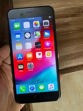 I phone 7 plus 32 gb r sim good condition with all accesory