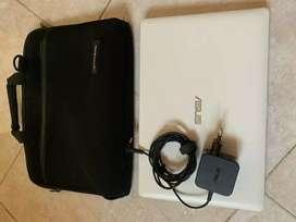 Laptop Asus X200M White
