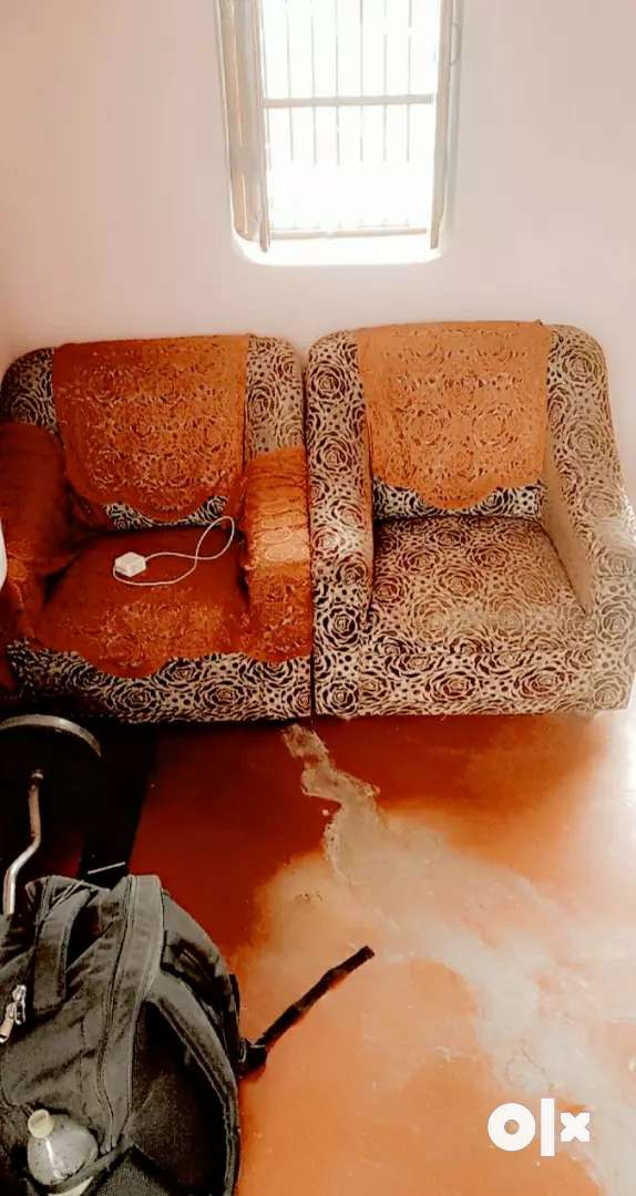 Vvip condition sofa set  , good condition and attractive 0
