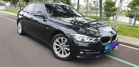 BMW 320i AT Black On Black Low KM Istimewa