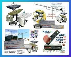 Teknisi install baru antena TV dan service parabola