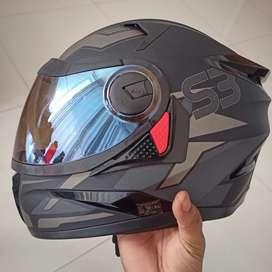 Steelbird original robot helmet(its only 15 days older)