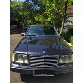 Mercedes Benz w124 E220 masterpiece th 97 ( Rare item )