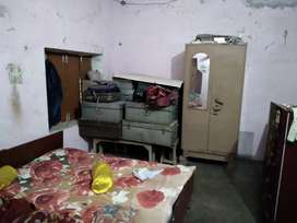 Single room only for small family or girls