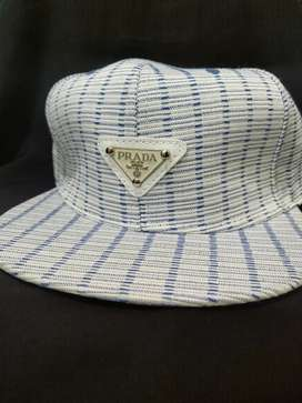 Mens/Girls Trendy Caps (snapback)