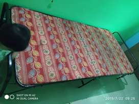 Single ply bed with cushion