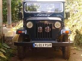 4×4  MAHINDRA Jeep