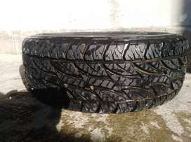 A set of four tyres Bridgestone 275/65R17 in very good condition Japan