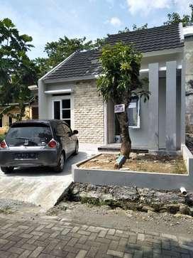 rumah samping exit toll bawen lokasi mewah SHM