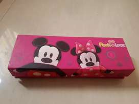 Tempat pensil magnet mickey minnie