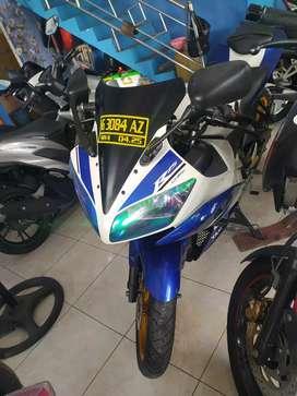 YAMAHA YZF R15 2015 LENY MOTOR NGASEM