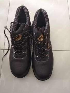Jual sepatu safety ukuran 46