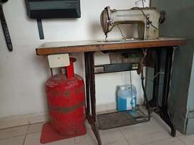 tailoring machine , good condition and one handed used,working well