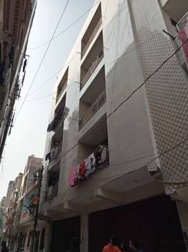 3bhk builder floo for sale in mohan garden with lift & parking