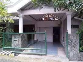 Jual segera rumah Manyar Indah Surabaya. SHM LT 285m2