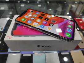 Apple iphone X 256GB Going lowest at 37900 oy