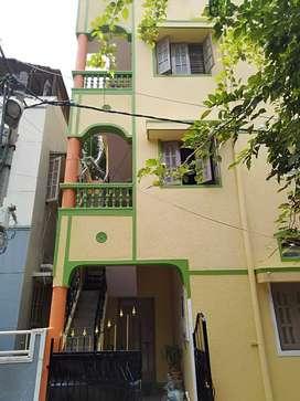 Adil building