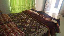 2 rooms available with for rent attatched bath for female students