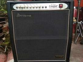 "Amplifier bass cougar england  15"" suara joss . Jual cepat"