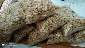kacang mete nikmat dan gurih