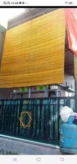 Tirai bambu,Adapun lampit