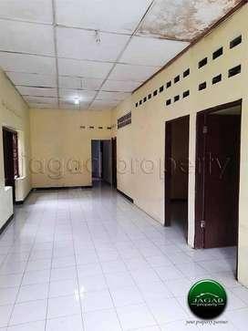 Rumah kontrakan 5 kamar dekat Pasar Pakem jl Kaliurang km 17 [AR 441]