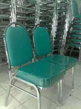 Kursi susun untuk staff