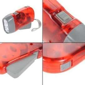 SENTER Pompa TANGAN non baterai / hand pressing flashlight