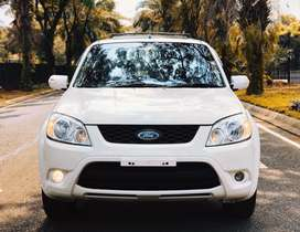 Ford Escape 2.3cc Limited Edition (Langka)
