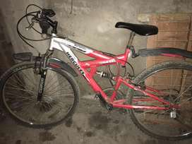 Very good condition cycle high quality powers brakes 18speed gear