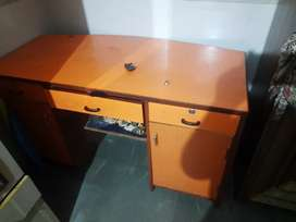 computer table rs 2000