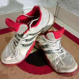 Sepatu ADIDAS Made In VIETNAM