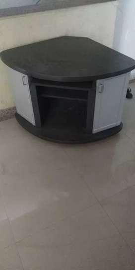 TV unit (khuniyu) OR storage