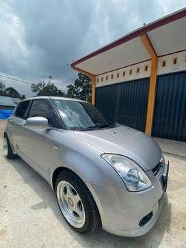 Dijual mobil suzuki swift 2005