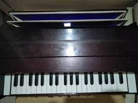 Harmonium in very good condition