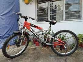 Six gear cycle
