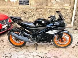 Yamaha R15 v2 Black colour best condition