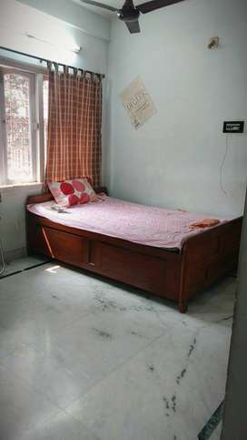 1bhk for rent ( preferably students)