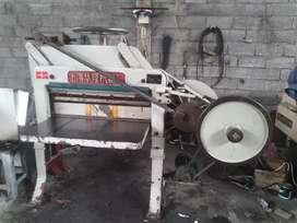 Mesin potong kertas DQ 201 timbul