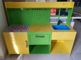 Kursi Makan Balita, Rak Buku Anak, Mainan Masak Anak dkk