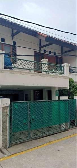 Rumah Kelapa Gading BCS 8x15m 2lantai, tinggal ngesot ke mal